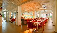 The moody restaurant of Ket Korona Wellness and Conference Hotel in Balatonszarszo